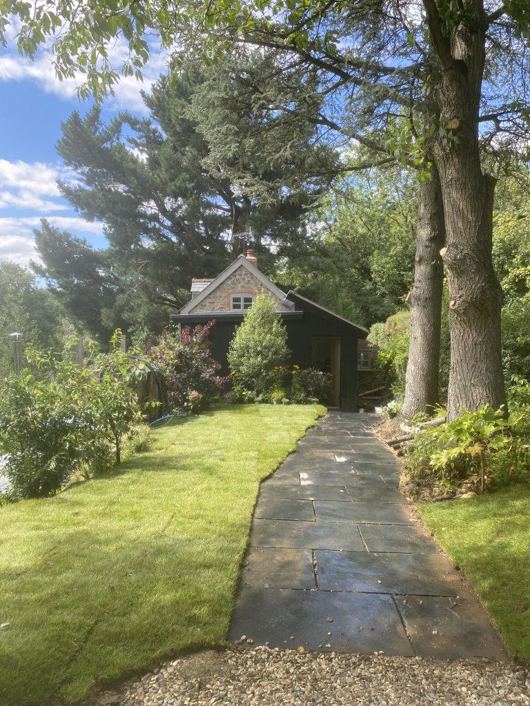 Secret Bolthole, Elsies cottage